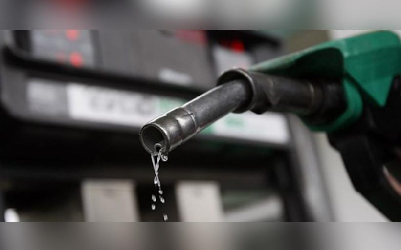 manguera bomba despachadora gasolina gasolinera